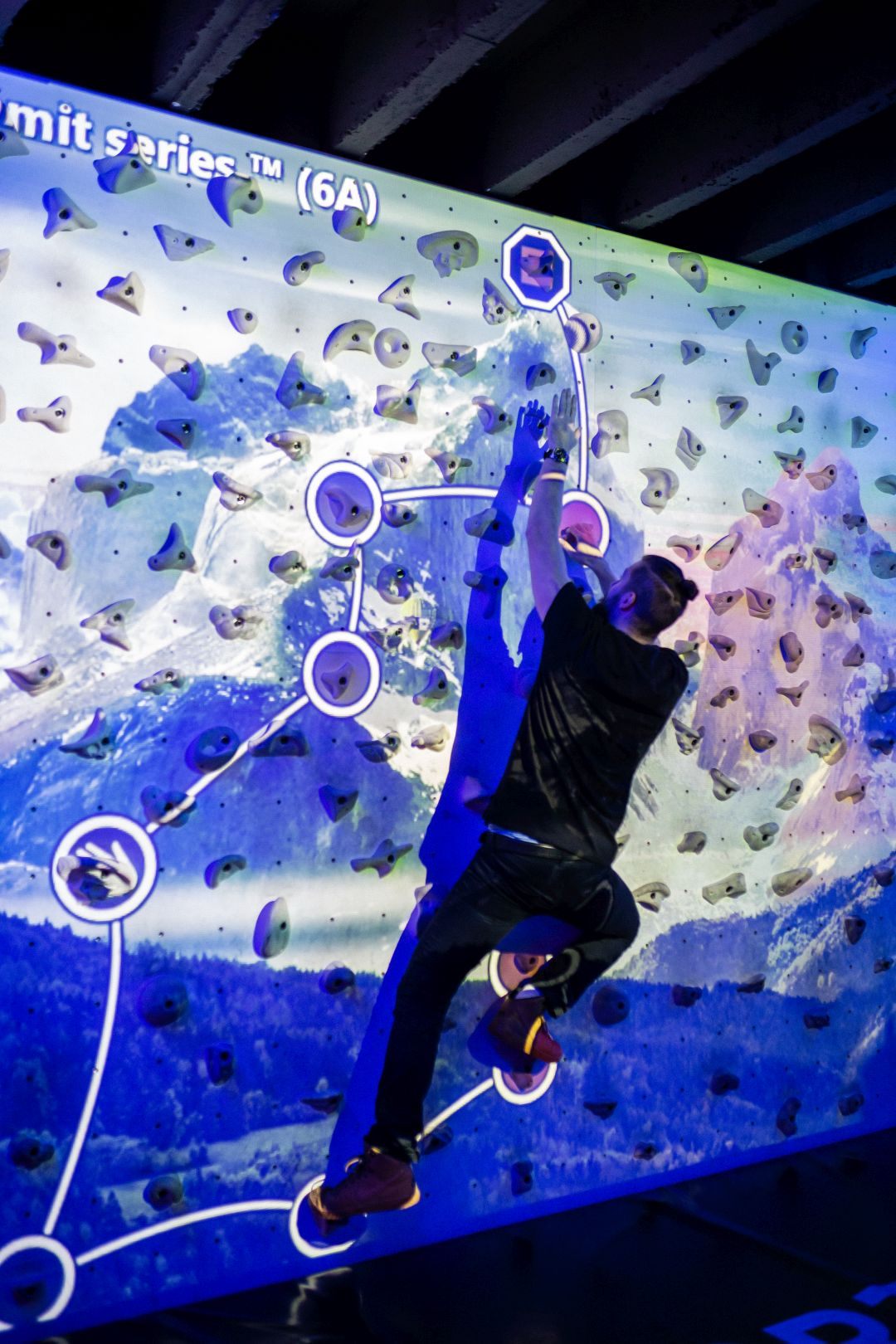 Augmented-Climbing-Wall-Freeclimbing-Gaming